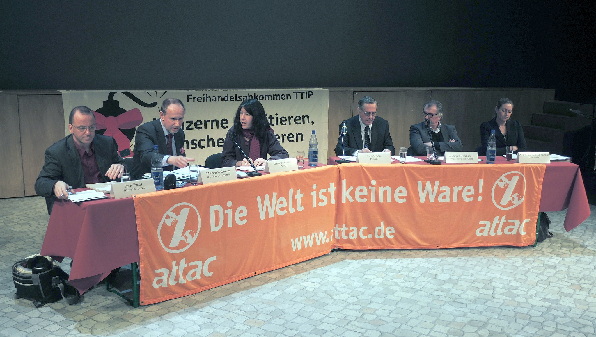 Podiumsdiskussion zu TTIP im GRIPS-Theater (Foto: Mehr Demokratie e.V. (cc, via Flickr))